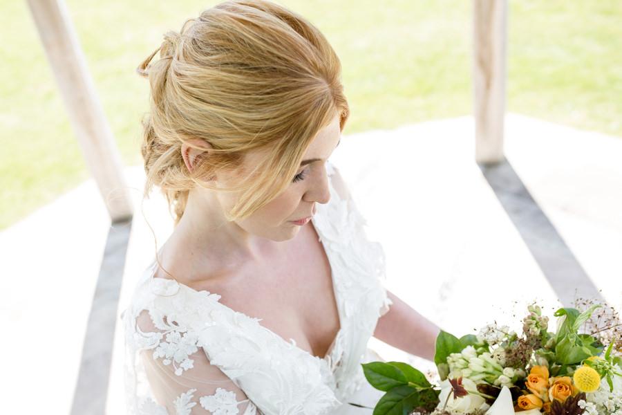 Boho luxe wedding style with soft orange and muted tones at Chippenham, image credit Heather Jackson Photography (14)