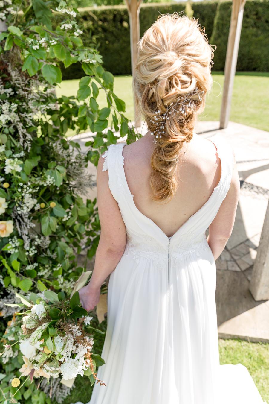 Boho luxe wedding style with soft orange and muted tones at Chippenham, image credit Heather Jackson Photography (16)