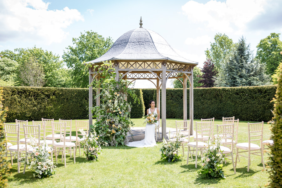 Boho luxe wedding style with soft orange and muted tones at Chippenham, image credit Heather Jackson Photography (17)