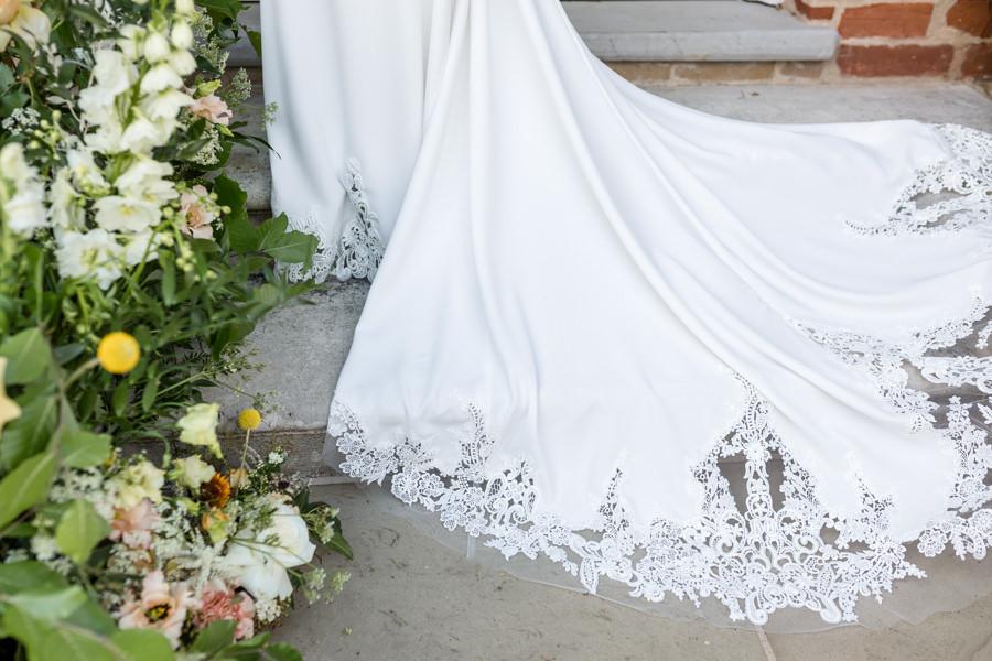 Boho luxe wedding style with soft orange and muted tones at Chippenham, image credit Heather Jackson Photography (25)