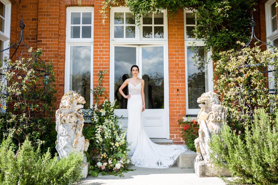 Boho luxe wedding style with soft orange and muted tones at Chippenham, image credit Heather Jackson Photography (26)
