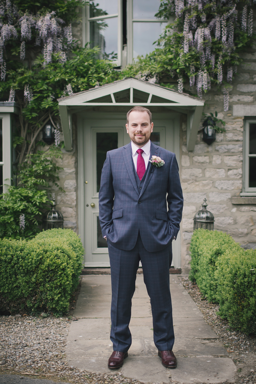 A beautiful quintessentially English wedding in Helmsley with images by Lissa Alexandra Photography (6)