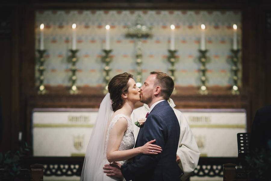 A beautiful quintessentially English wedding in Helmsley with images by Lissa Alexandra Photography (11)