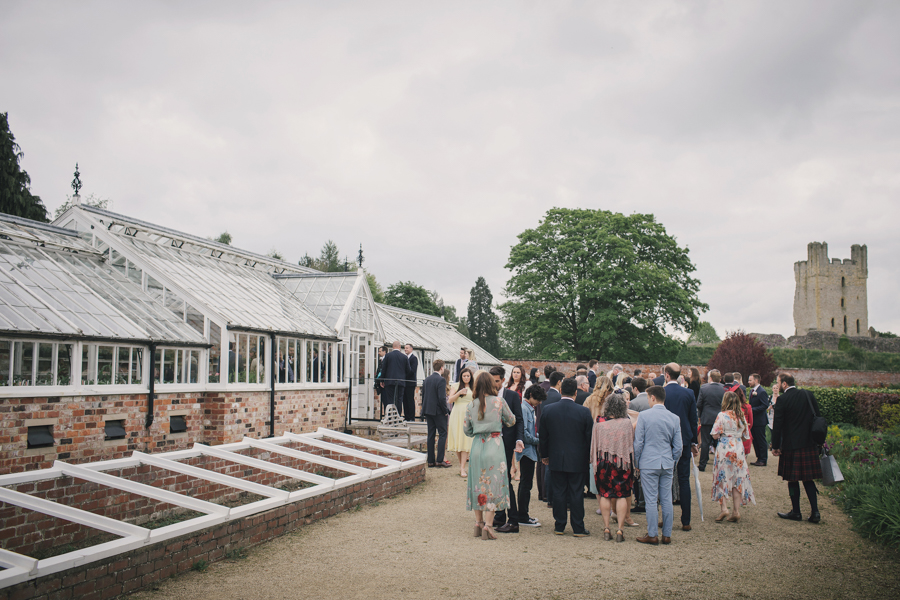 A beautiful quintessentially English wedding in Helmsley with images by Lissa Alexandra Photography (17)