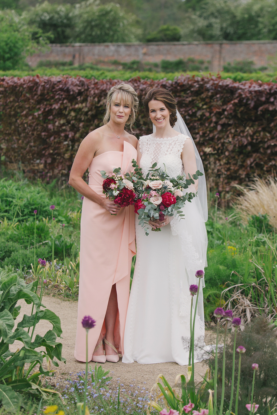 A beautiful quintessentially English wedding in Helmsley with images by Lissa Alexandra Photography (18)