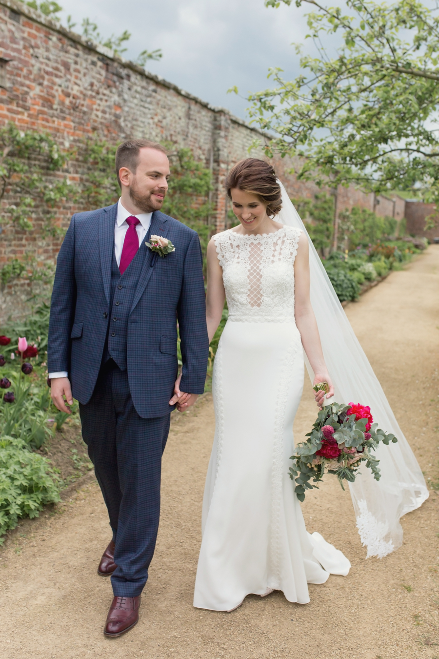A beautiful quintessentially English wedding in Helmsley with images by Lissa Alexandra Photography (19)