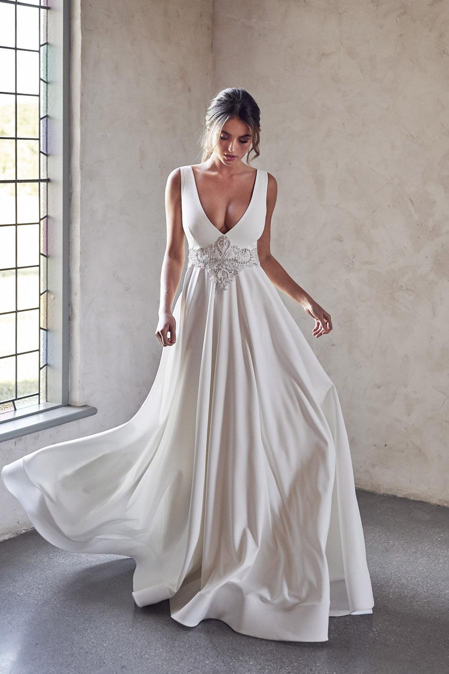 Anna Campbell Lumière Collection English-Wedding.com (17)