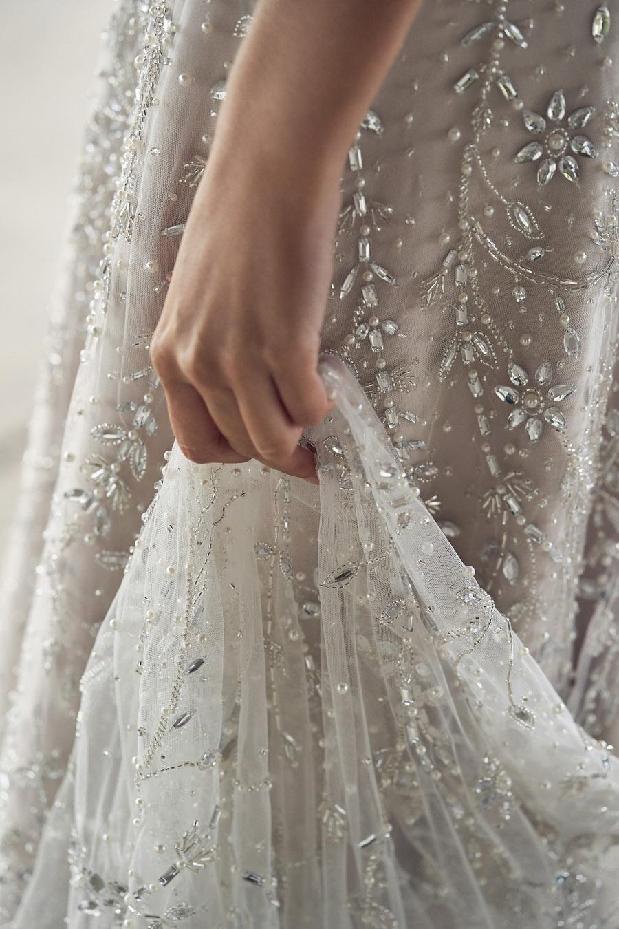 Anna Campbell Lumière Collection English-Wedding.com (20)