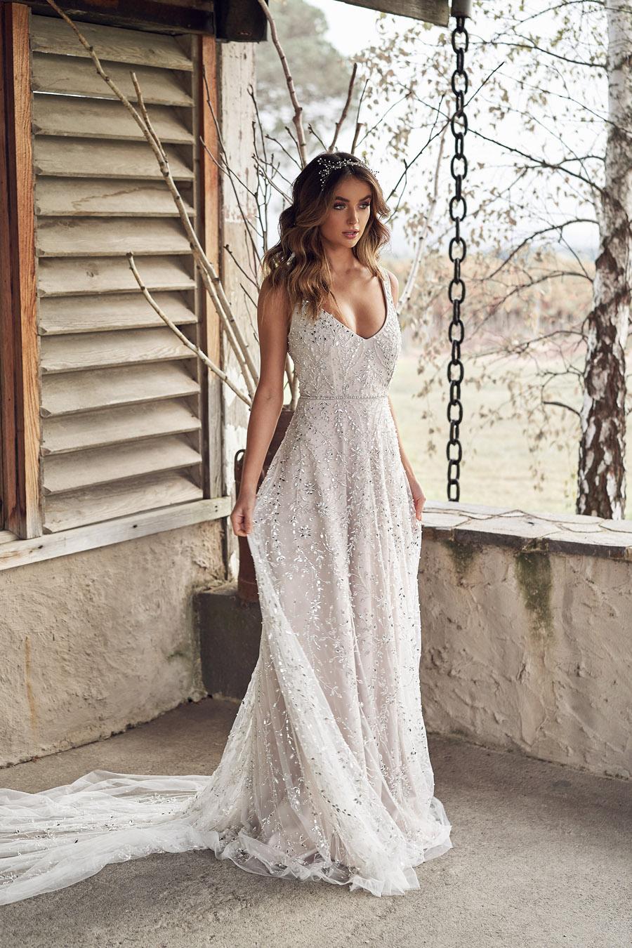 Anna Campbell Lumière Collection English-Wedding.com (22)