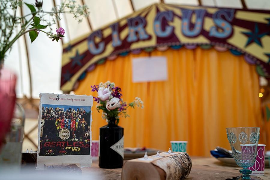 Matt and Rosanna's yurt wedding in Dorset with Linus Moran Photography (3)