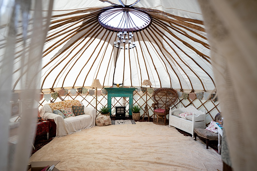 Matt and Rosanna's yurt wedding in Dorset with Linus Moran Photography (6)