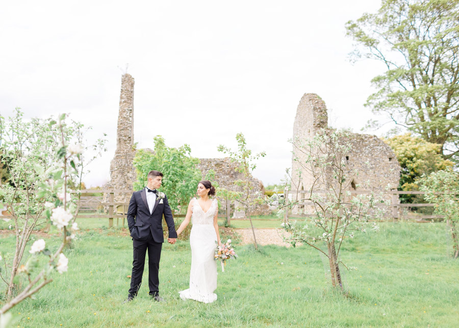 Romantic ethereal wedding styling ideas with Natalie Stevenson Photography (15)