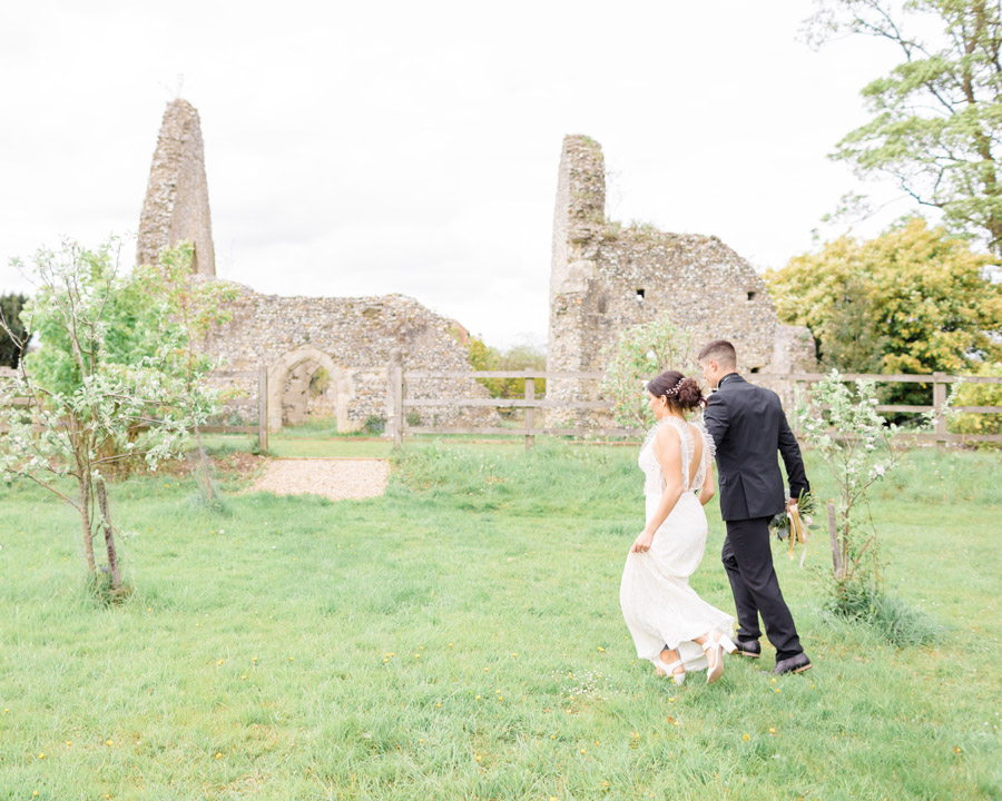 Romantic ethereal wedding styling ideas with Natalie Stevenson Photography (16)