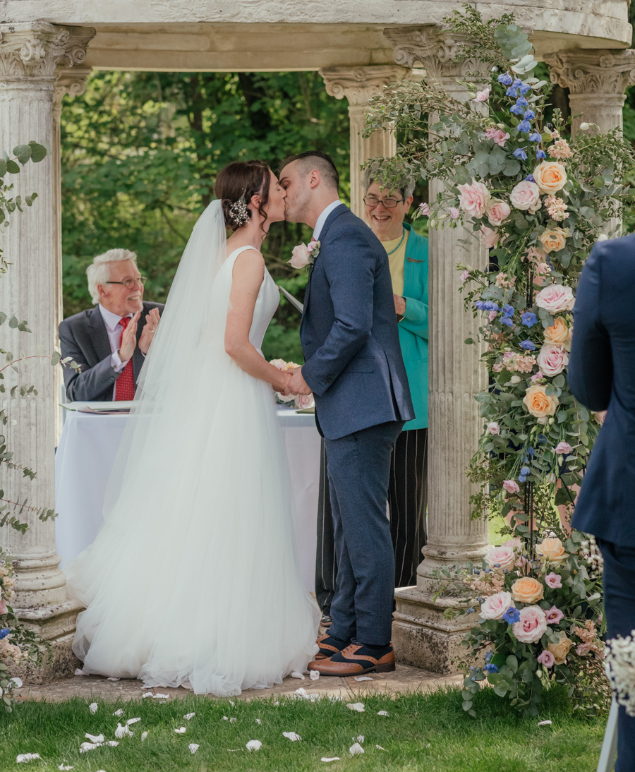 Timeless and elegant Ardington wedding with Benjamin Wetherall Photography (11)