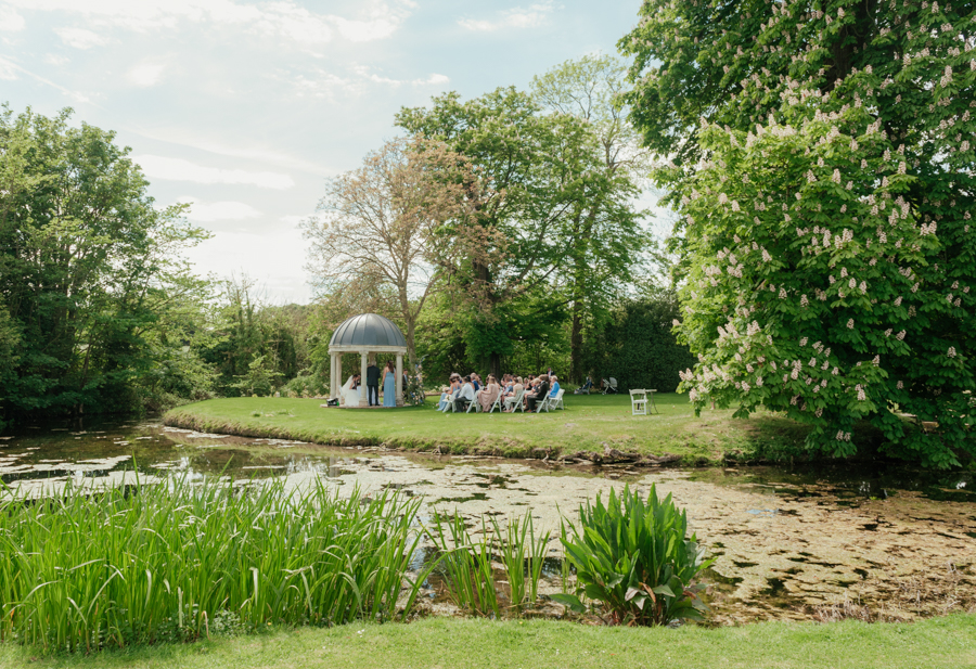 Timeless and elegant Ardington wedding with Benjamin Wetherall Photography (12)