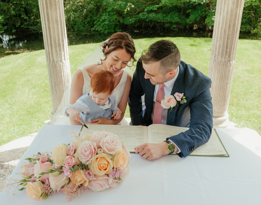 Timeless and elegant Ardington wedding with Benjamin Wetherall Photography (13)