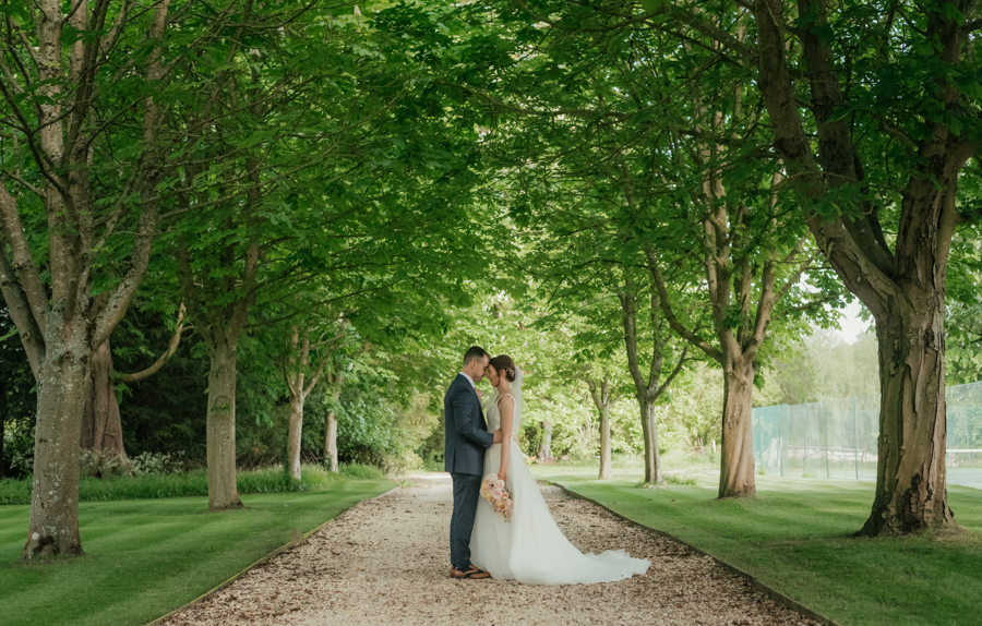Timeless and elegant Ardington wedding with Benjamin Wetherall Photography (20)