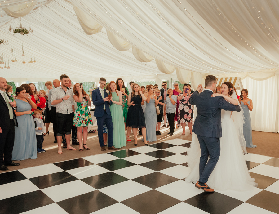 Timeless and elegant Ardington wedding with Benjamin Wetherall Photography (36)