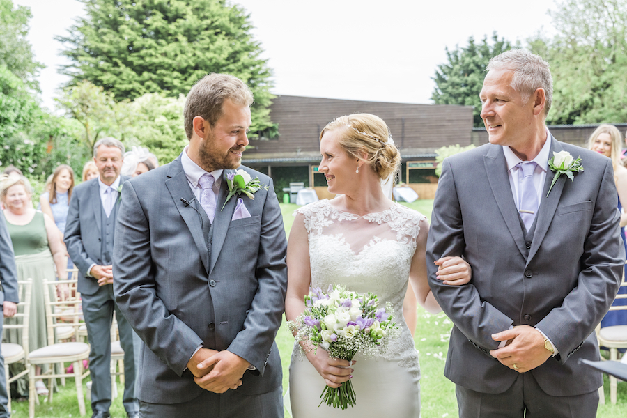 Relaxed English garden wedding at Woodhall Manor, with Ayshea Goldberg Photography (12)