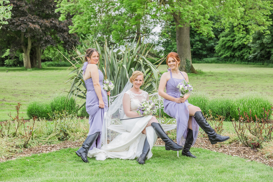 Relaxed English garden wedding at Woodhall Manor, with Ayshea Goldberg Photography (22)