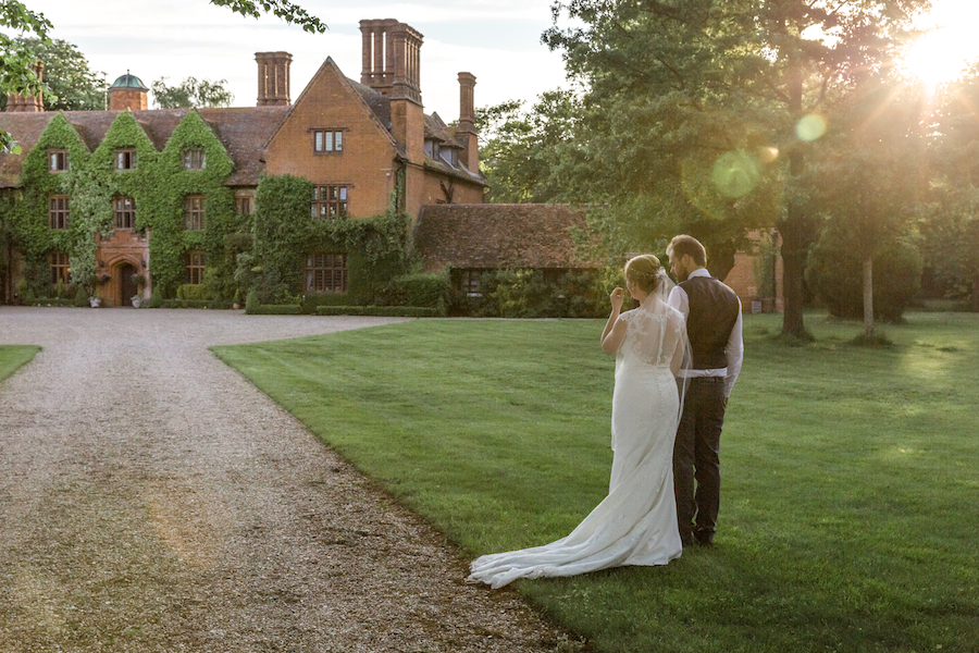 Relaxed English garden wedding at Woodhall Manor, with Ayshea Goldberg Photography (29)