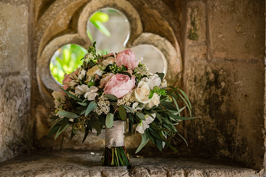 Beautiful Athelhampton House wedding photography with Linus Moran on the English Wedding Blog (2)