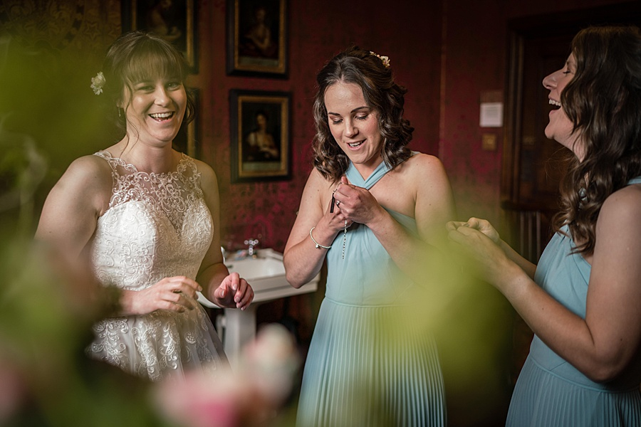 Beautiful Athelhampton House wedding photography with Linus Moran on the English Wedding Blog (11)