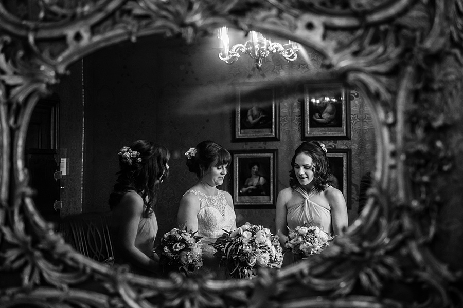 Beautiful Athelhampton House wedding photography with Linus Moran on the English Wedding Blog (12)