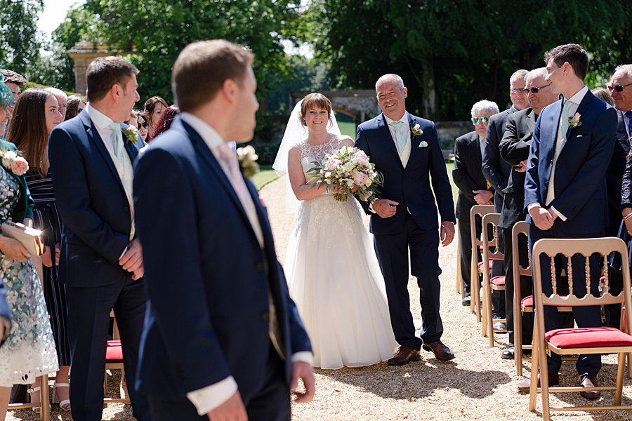 Beautiful Athelhampton House wedding photography with Linus Moran on the English Wedding Blog (13)