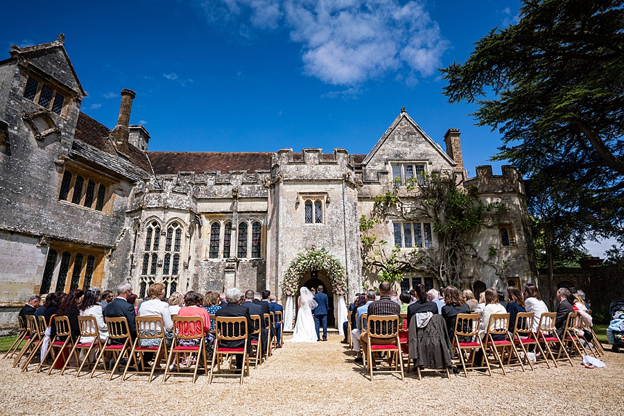 Beautiful Athelhampton House wedding photography with Linus Moran on the English Wedding Blog (15)