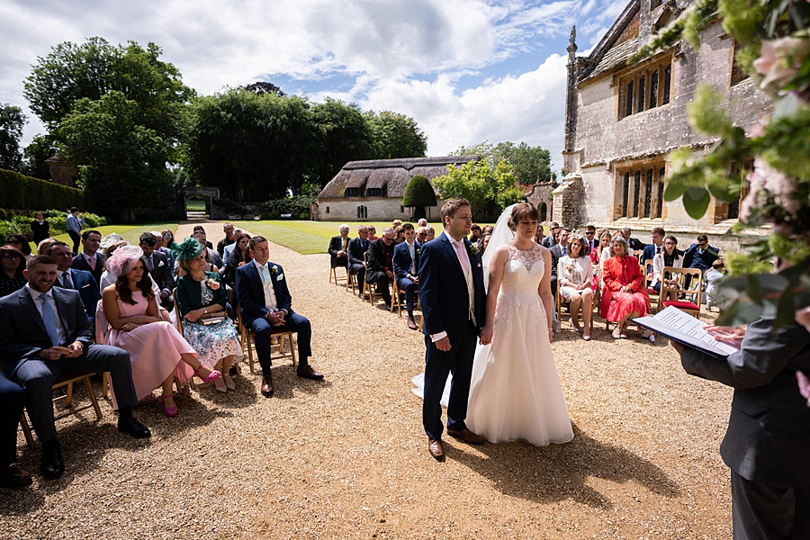 Beautiful Athelhampton House wedding photography with Linus Moran on the English Wedding Blog (16)
