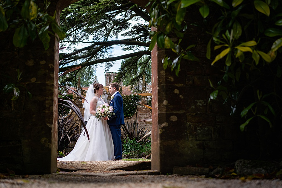 Beautiful Athelhampton House wedding photography with Linus Moran on the English Wedding Blog (21)