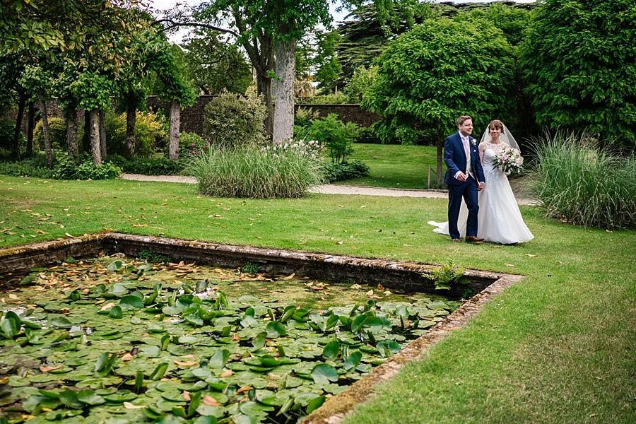 Beautiful Athelhampton House wedding photography with Linus Moran on the English Wedding Blog (22)
