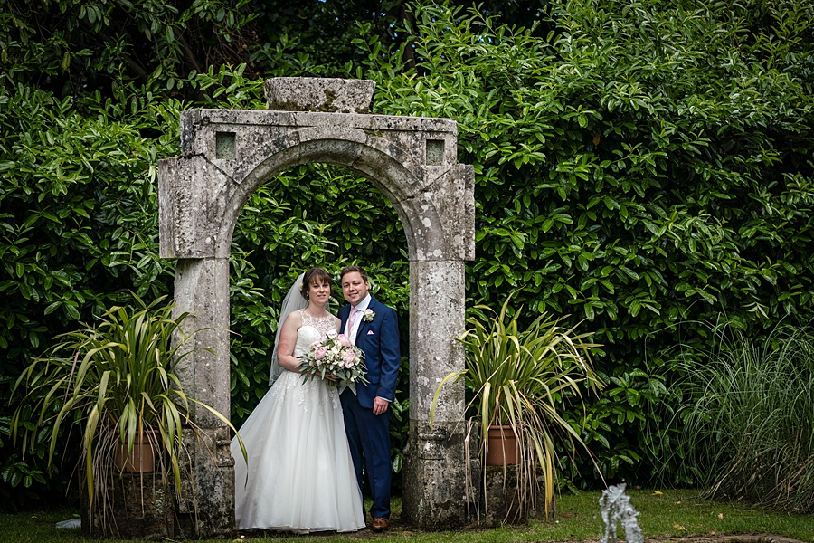 Beautiful Athelhampton House wedding photography with Linus Moran on the English Wedding Blog (23)