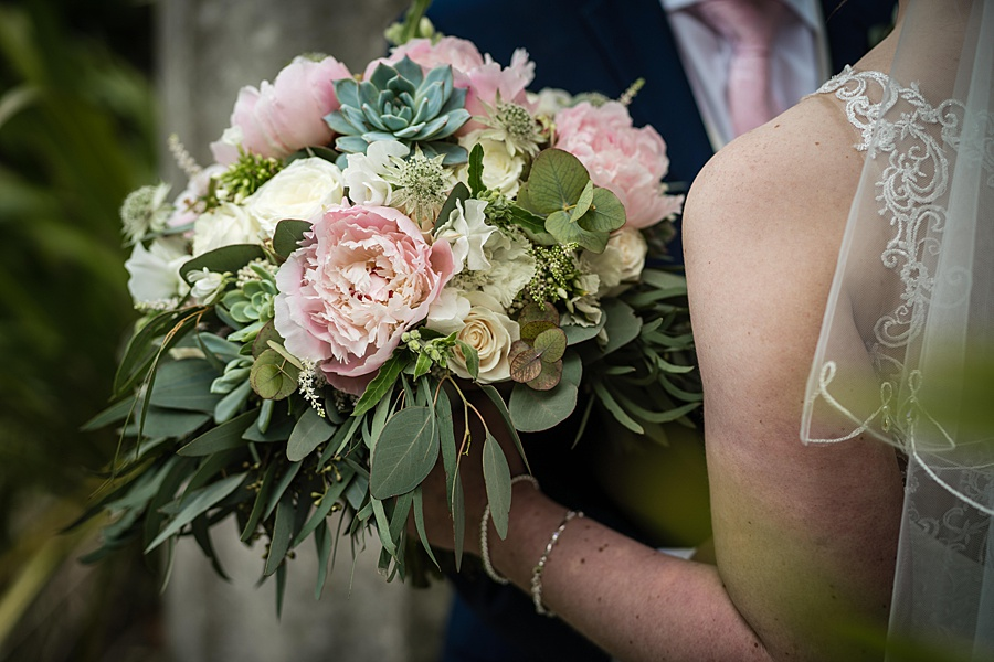 Beautiful Athelhampton House wedding photography with Linus Moran on the English Wedding Blog (24)