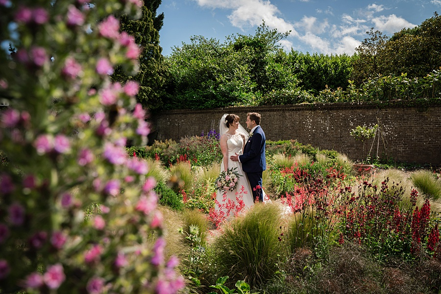 Beautiful Athelhampton House wedding photography with Linus Moran on the English Wedding Blog (26)