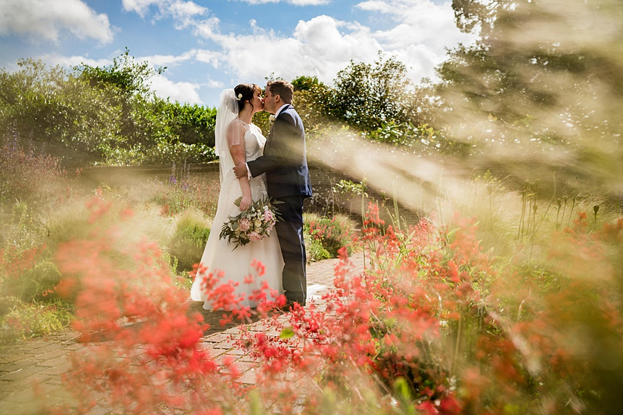 Beautiful Athelhampton House wedding photography with Linus Moran on the English Wedding Blog (27)