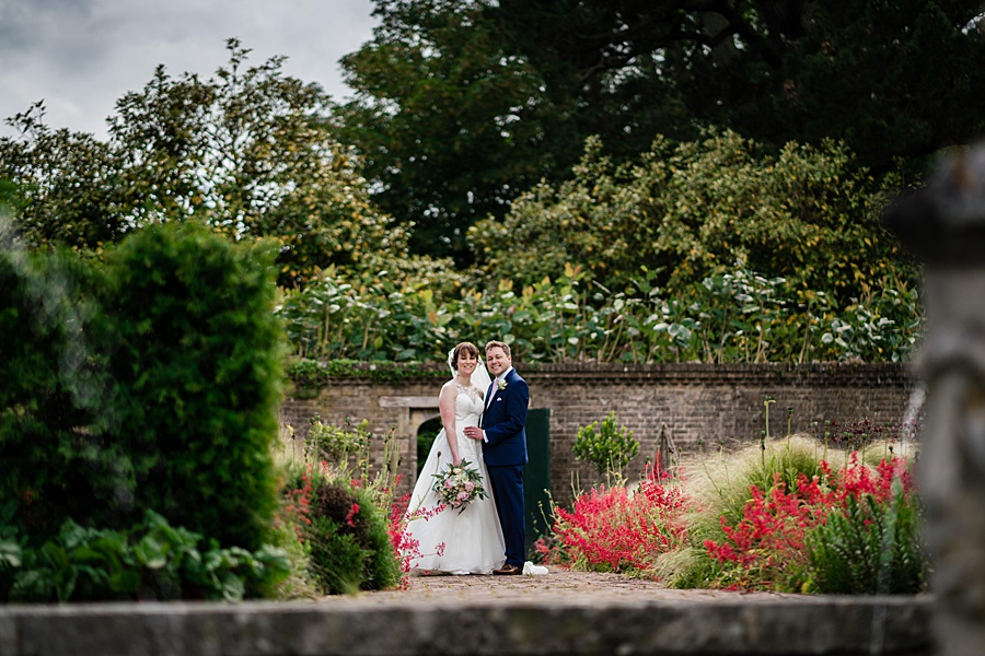 Beautiful Athelhampton House wedding photography with Linus Moran on the English Wedding Blog (29)