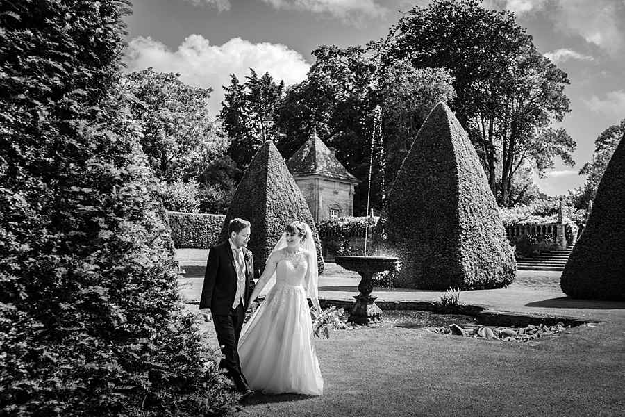 Beautiful Athelhampton House wedding photography with Linus Moran on the English Wedding Blog (33)