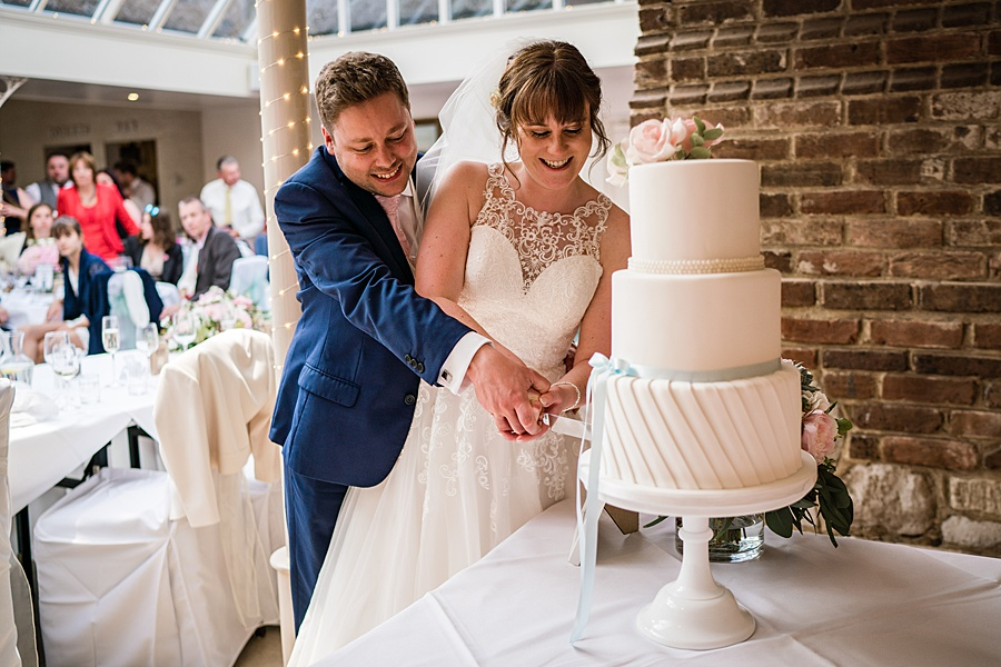 Beautiful Athelhampton House wedding photography with Linus Moran on the English Wedding Blog (39)