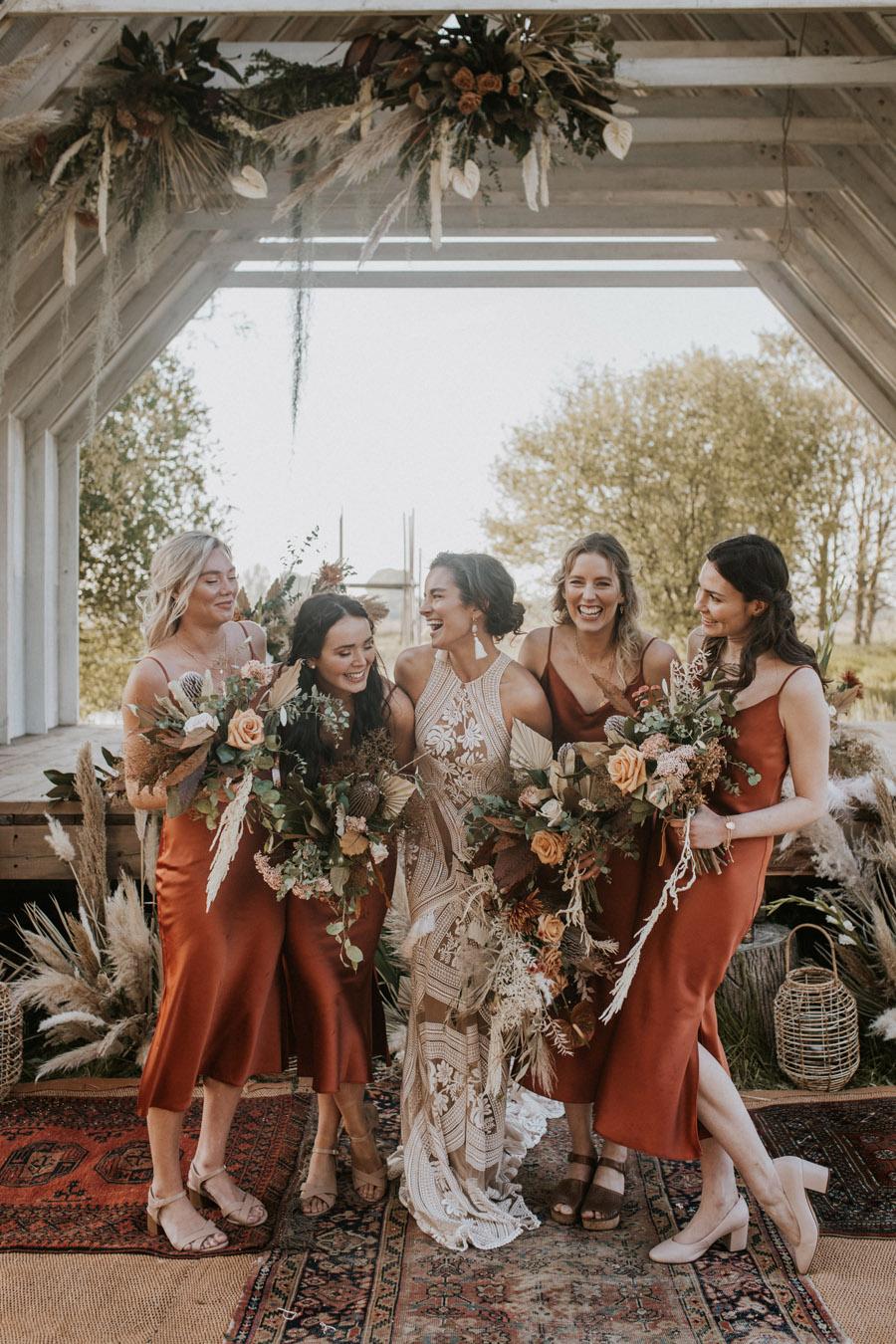 Photo via Junebug Weddings on English Wedding Blog (1)