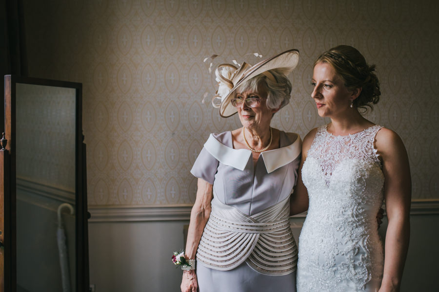 Kat and Vincent's Mansion at Roundhay Park wedding, images by Amy Jordison Photography (21)
