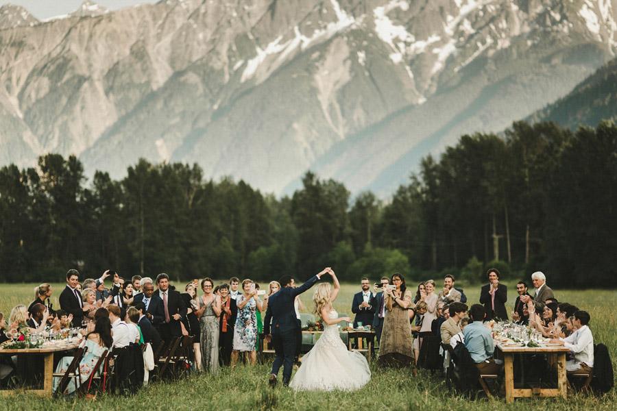 Photo via Junebug Weddings on English Wedding Blog (4)