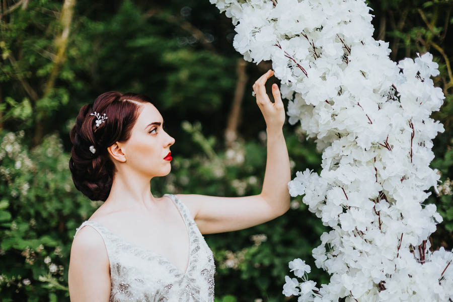 Dramatic and alternative wedding ideas on English-Wedding.com with Danny Inwood Photography (12)