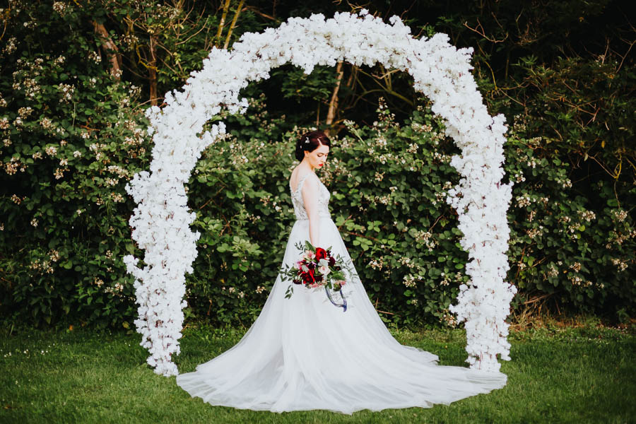 Dramatic and alternative wedding ideas on English-Wedding.com with Danny Inwood Photography (15)