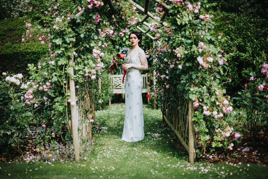 Dramatic and alternative wedding ideas on English-Wedding.com with Danny Inwood Photography (19)