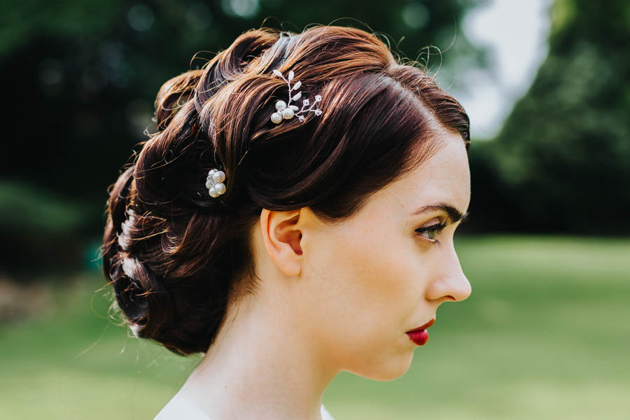 Dramatic and alternative wedding ideas on English-Wedding.com with Danny Inwood Photography (20)