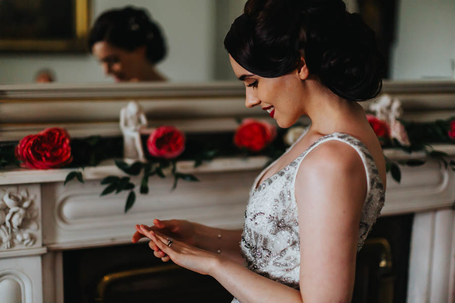 Dramatic and alternative wedding ideas on English-Wedding.com with Danny Inwood Photography (24)