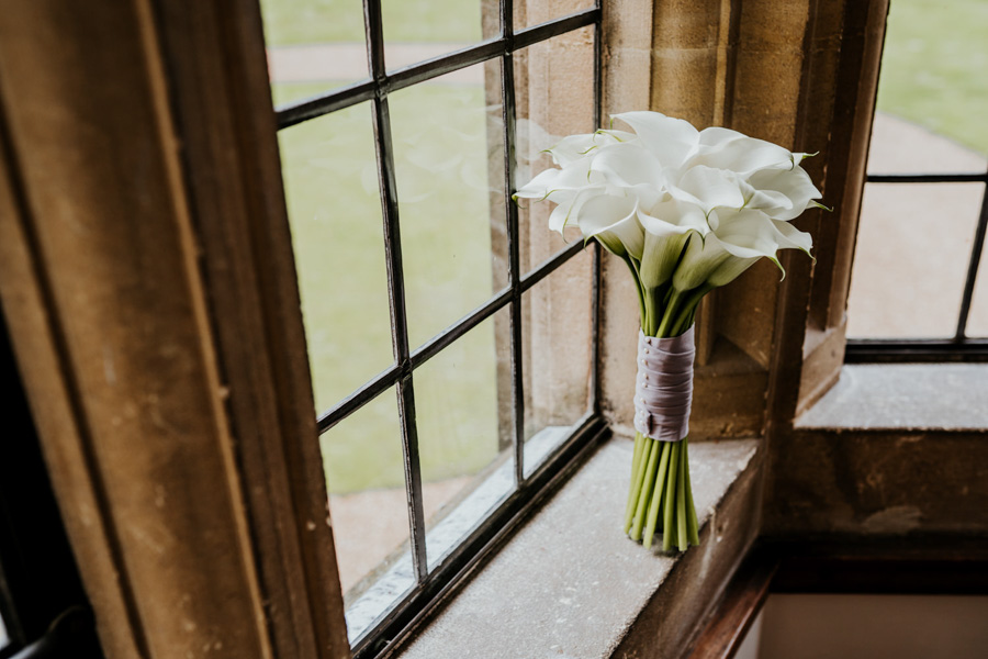 Charlotte and Dexter's minimal and elegant Coombe Lodge wedding, image credit Ryan Goold Photography (6)