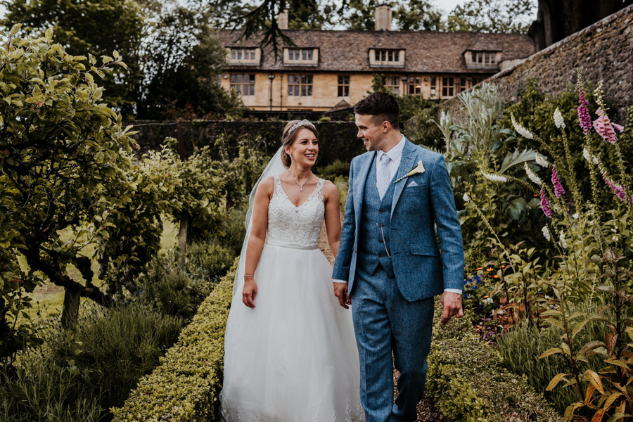 Charlotte and Dexter's minimal and elegant Coombe Lodge wedding, image credit Ryan Goold Photography (33)